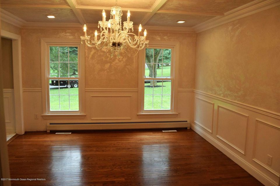 Additional photo for property listing at 8 Saddle Ridge Road  Colts Neck, New Jersey 07722 Amerika Birleşik Devletleri