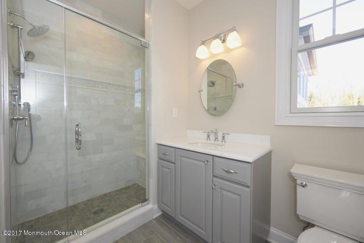 Additional photo for property listing at 21 Phipps Place  Tinton Falls, Нью-Джерси 07724 Соединенные Штаты