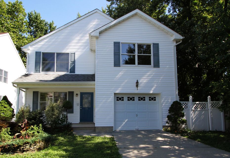 Single Family Home for Sale at 24 Raynor Avenue 24 Raynor Avenue North Middletown, New Jersey 07748 United States