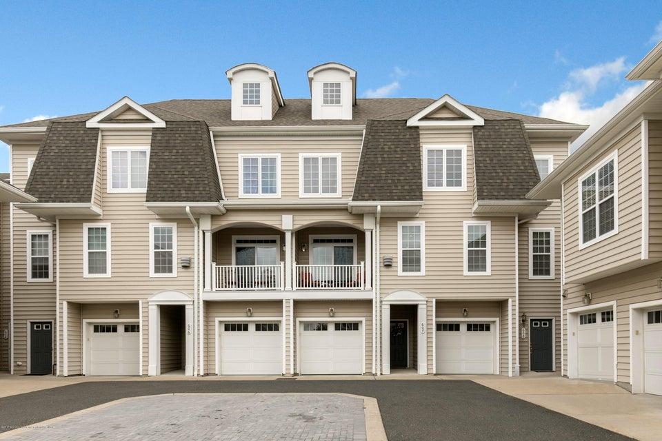 Condominio por un Alquiler en 607 April Way Middletown, Nueva Jersey 07748 Estados Unidos