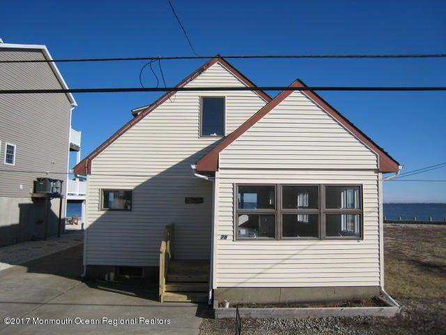 Casa Unifamiliar por un Alquiler en 78 Sheridan Street 78 Sheridan Street Waretown, Nueva Jersey 08758 Estados Unidos