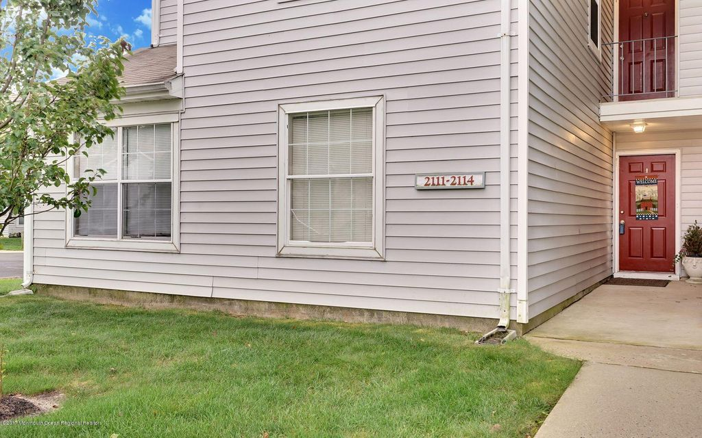 Additional photo for property listing at 2111 Waters Edge Drive  Toms River, New Jersey 08753 United States