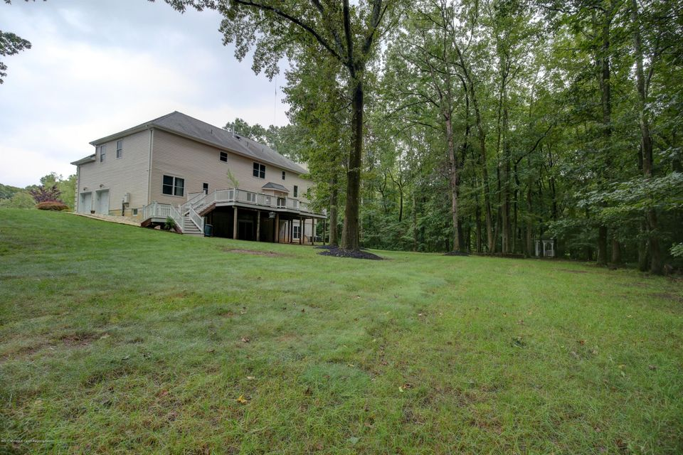 Additional photo for property listing at 18 Dakota Drive 18 Dakota Drive Old Bridge, New Jersey 08857 États-Unis