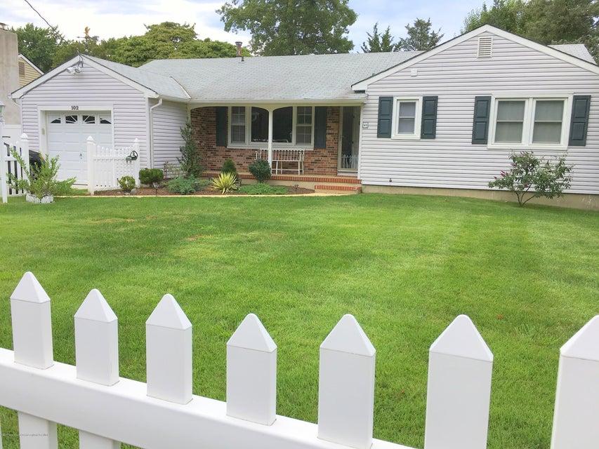Maison unifamiliale pour l à louer à 102 Princeton Avenue Brick, New Jersey 08724 États-Unis