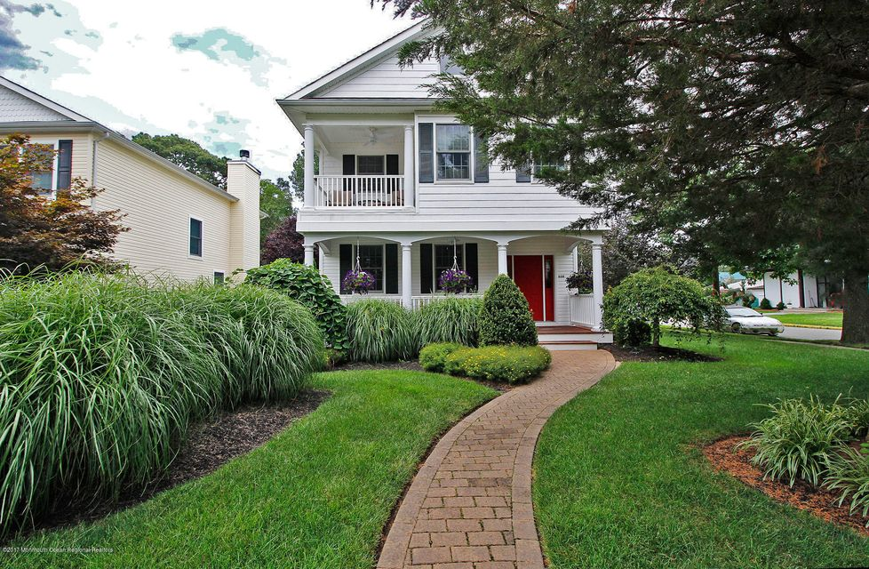 Maison unifamiliale pour l Vente à 600 Essex Avenue 600 Essex Avenue Spring Lake Heights, New Jersey 07762 États-Unis