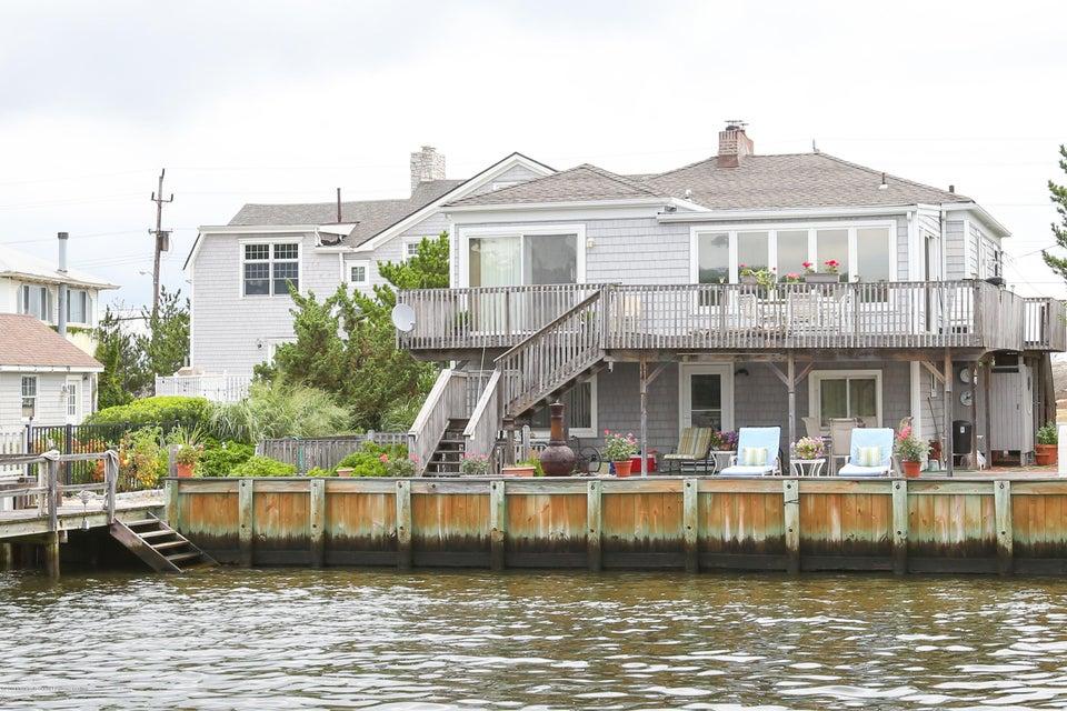 Maison unifamiliale pour l Vente à 414 Ocean Avenue Sea Bright, New Jersey 07760 États-Unis