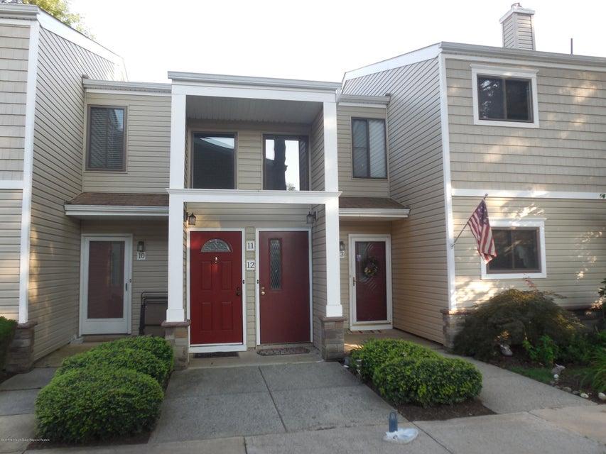 Condominio por un Alquiler en 12 Carol Court Tinton Falls, Nueva Jersey 07724 Estados Unidos