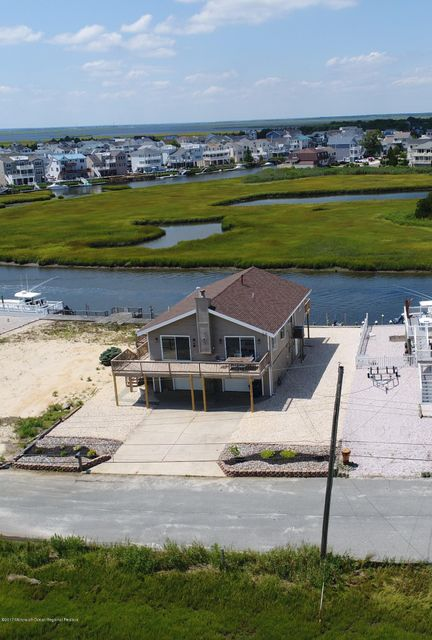 Single Family Home for Sale at 30 Iowa Court 30 Iowa Court Little Egg Harbor, New Jersey 08087 United States