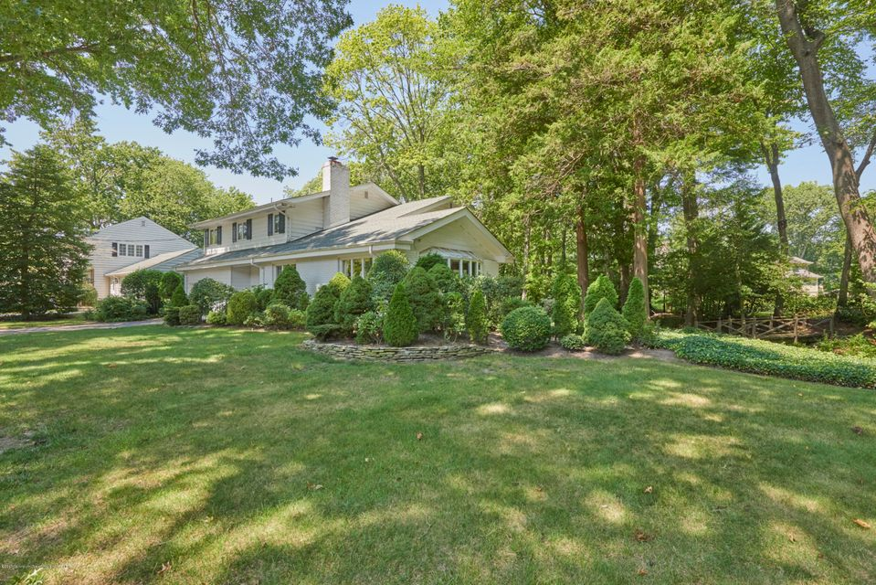 Single Family Home for Sale at 615 Bridlemere Avenue Interlaken, New Jersey 07712 United States