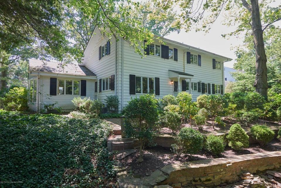 獨棟家庭住宅 為 出售 在 615 Bridlemere Avenue 615 Bridlemere Avenue Interlaken, 新澤西州 07712 美國