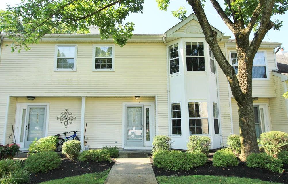 Condominio por un Alquiler en 214 Paddington Court Manalapan, Nueva Jersey 07726 Estados Unidos