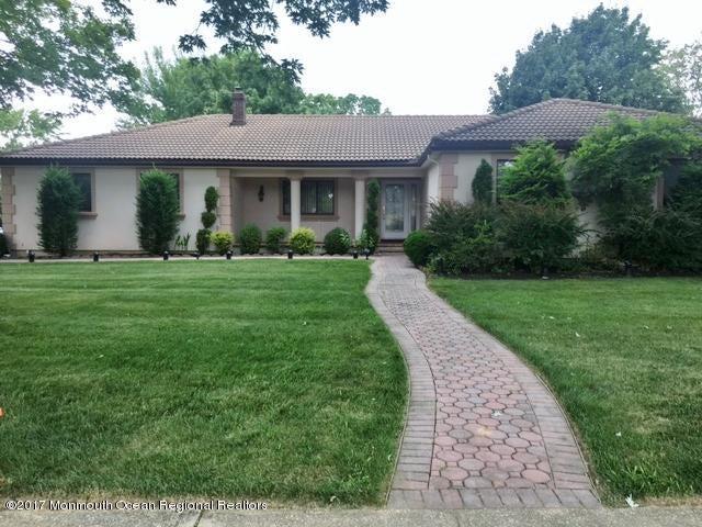 Maison unifamiliale pour l Vente à 65 Girard Avenue 65 Girard Avenue West Long Branch, New Jersey 07764 États-Unis