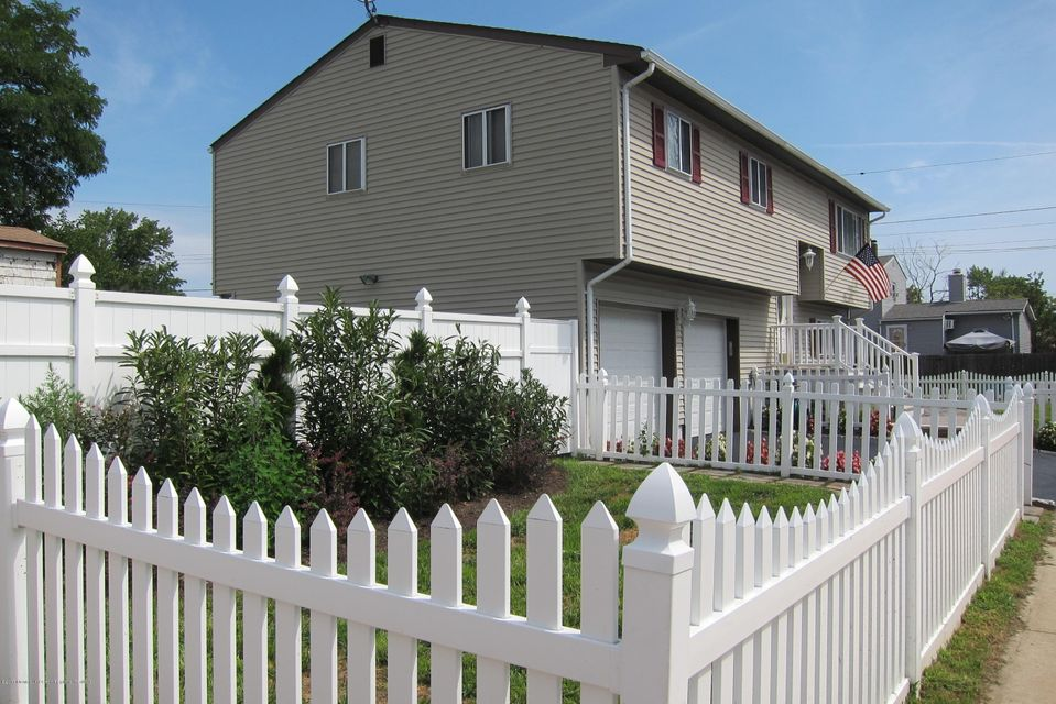 Additional photo for property listing at 7 Lincoln Avenue 7 Lincoln Avenue Keansburg, Nueva Jersey 07734 Estados Unidos