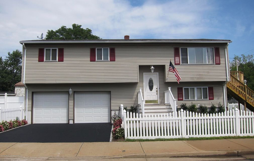 Single Family Home for Sale at 7 Lincoln Avenue Keansburg, New Jersey 07734 United States