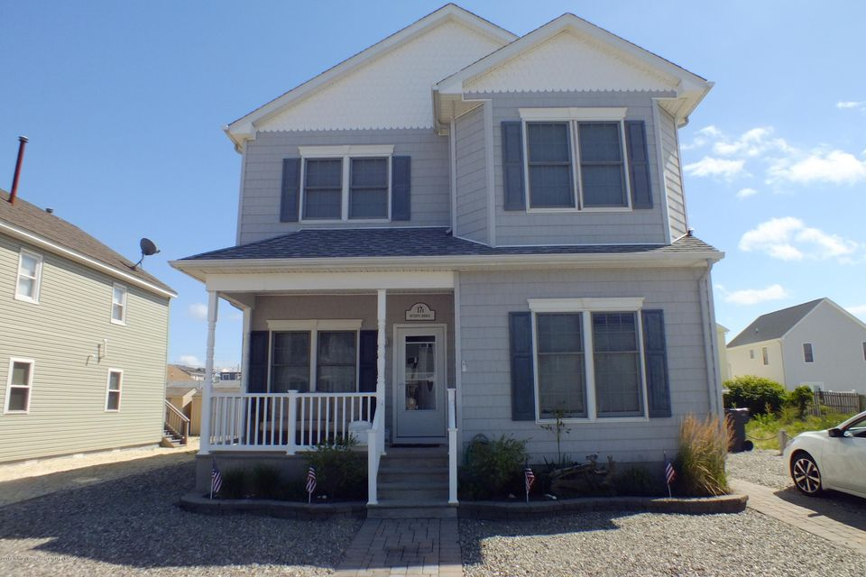 Casa Multifamiliar por un Venta en 17 7th Avenue Ortley Beach, Nueva Jersey 08751 Estados Unidos