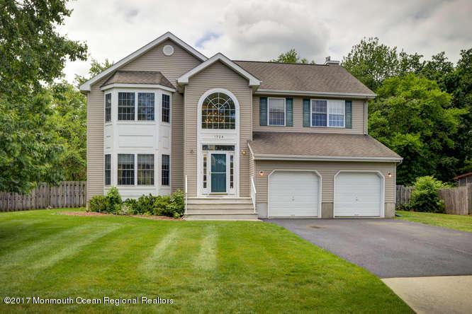 独户住宅 为 出租 在 1704 Melville Street Oakhurst, 新泽西州 07755 美国