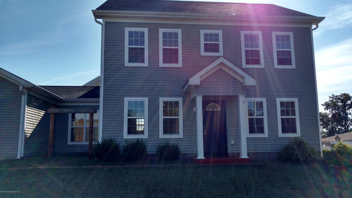 Maison unifamiliale pour l Vente à 27 11th Street 27 11th Street South Toms River, New Jersey 08757 États-Unis