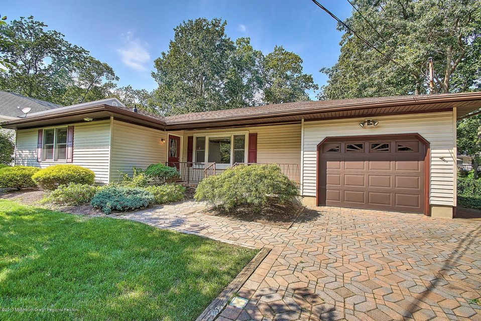 Single Family Home for Sale at 618 Pennsylvania Avenue Pine Beach, New Jersey 08741 United States