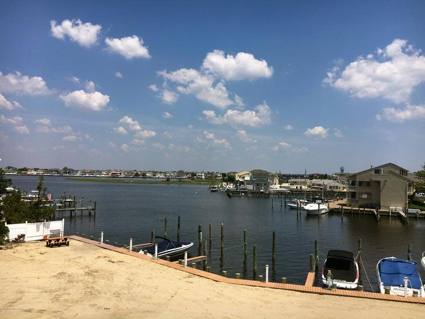 独户住宅 为 出租 在 416 6th Avenue Ortley Beach, 新泽西州 08751 美国