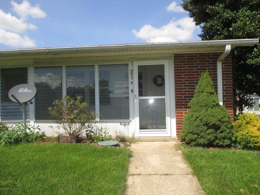 独户住宅 为 出租 在 553d Sheffield Court 莱克伍德, 新泽西州 08701 美国