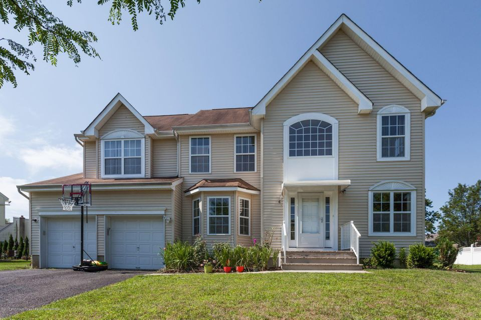 Maison unifamiliale pour l Vente à 6 Kopak Way Spotswood, New Jersey 08884 États-Unis