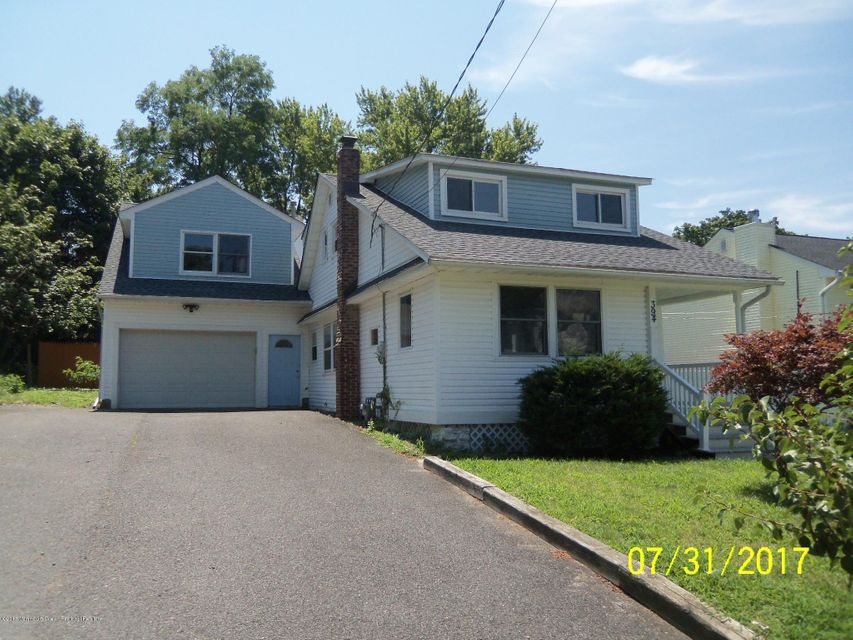 Single Family Home for Sale at 394 Monmouth Avenue 394 Monmouth Avenue Leonardo, New Jersey 07737 United States