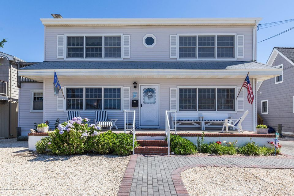 Apartamentos multi-familiares para Venda às 319 5th Street Beach Haven, Nova Jersey 08008 Estados Unidos