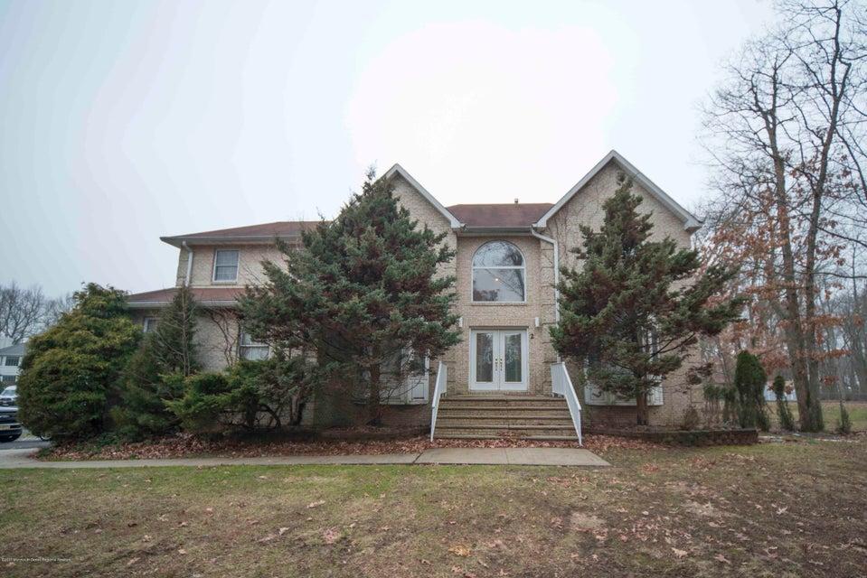 Casa Unifamiliar por un Alquiler en 2 Gray Court Manalapan, Nueva Jersey 07726 Estados Unidos