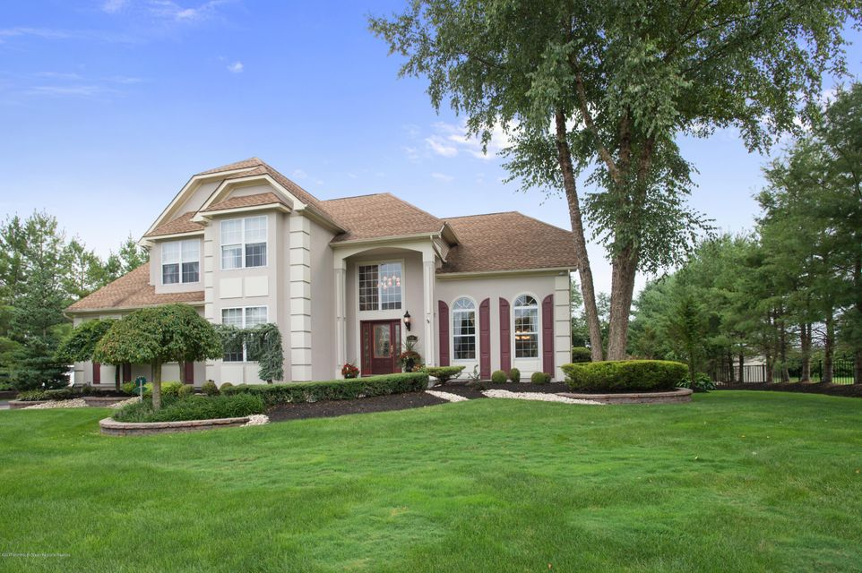 Single Family Home for Sale at 10 Canterbury Way 10 Canterbury Way Farmingdale, New Jersey 07727 United States