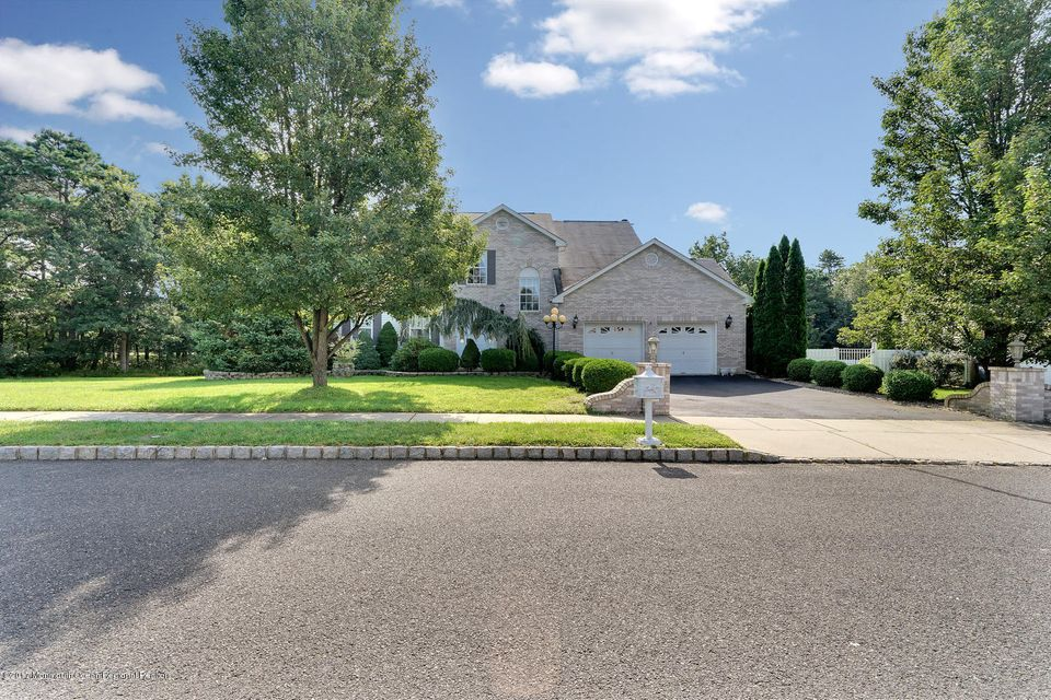 24 Mount Ranier Dr Howell NJ-large-004-2