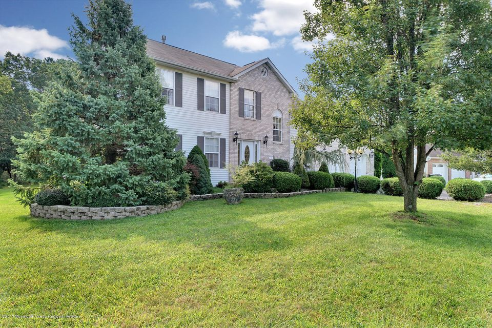 24 Mount Ranier Dr Howell NJ-large-005-5