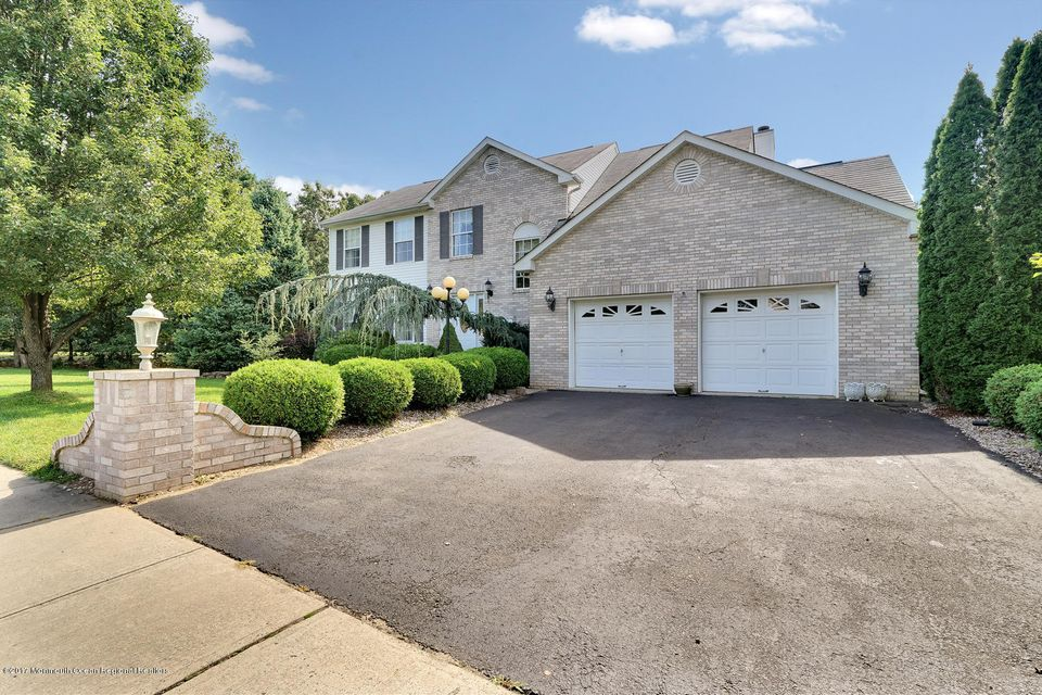 24 Mount Ranier Dr Howell NJ-large-007-2
