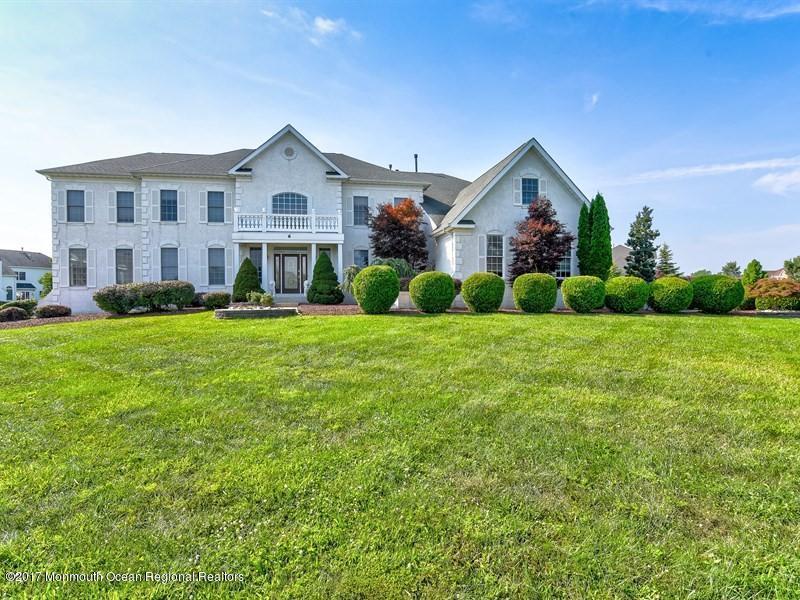 独户住宅 为 销售 在 6 Bowers Drive Freehold, 新泽西州 07728 美国