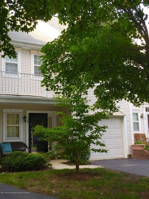 Condominio por un Alquiler en 19 Stagecoach Drive Holmdel, Nueva Jersey 07733 Estados Unidos