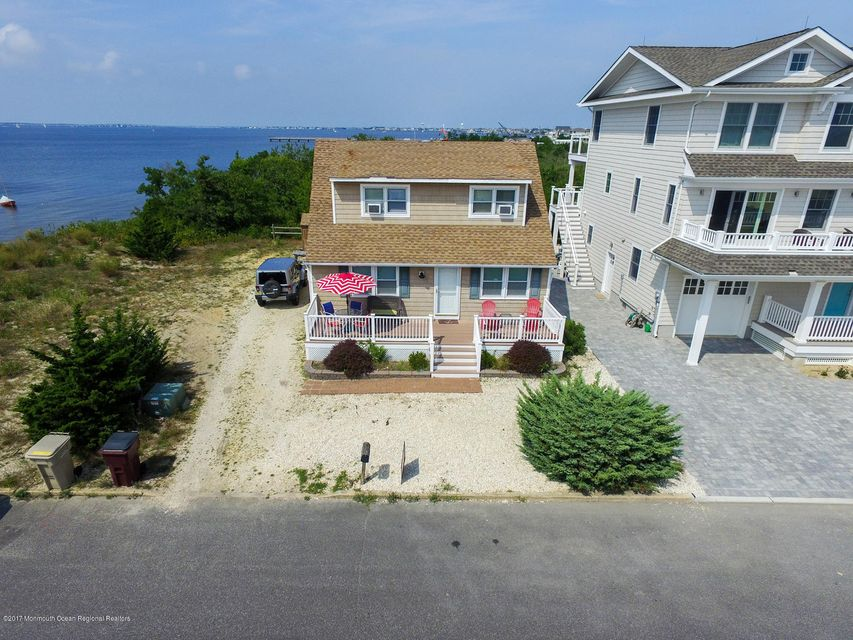 Single Family Home for Sale at 324 Roberts Avenue 324 Roberts Avenue South Seaside Park, New Jersey 08752 United States