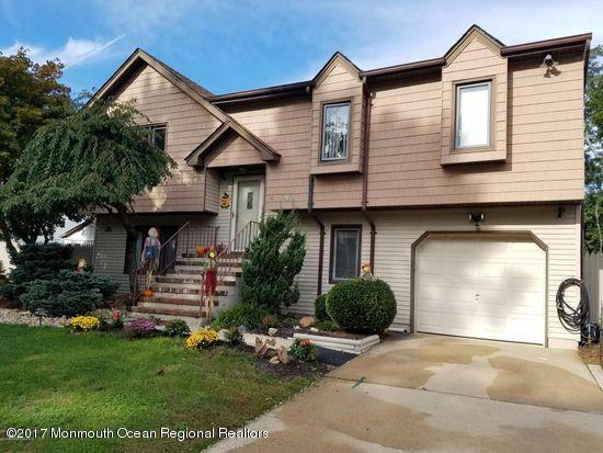 Частный односемейный дом для того Продажа на 62 Ravatt Road Port Monmouth, Нью-Джерси 07758 Соединенные Штаты