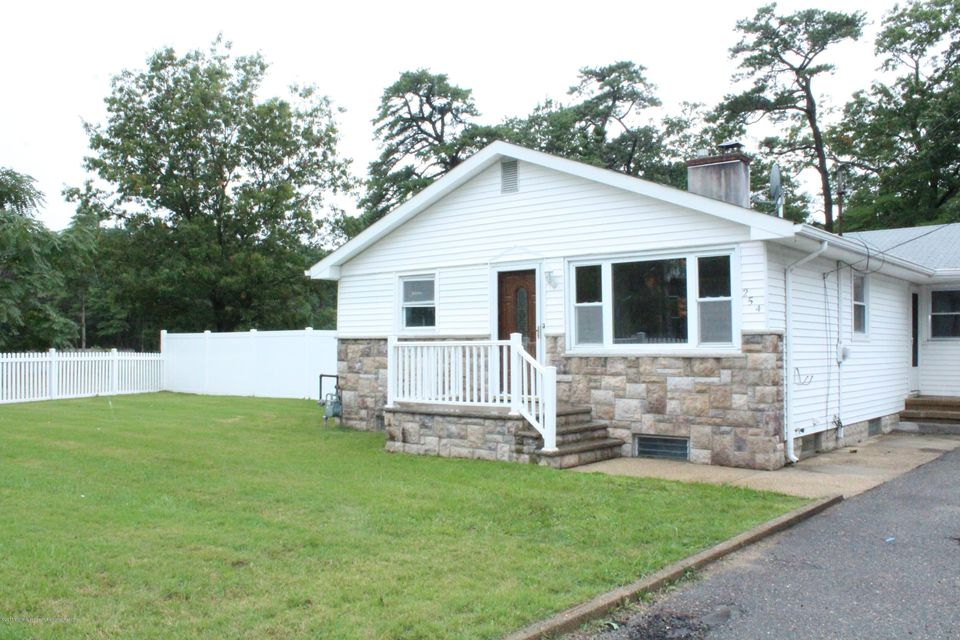 Casa Unifamiliar por un Alquiler en 254 Admiral Avenue Beachwood, Nueva Jersey 08722 Estados Unidos