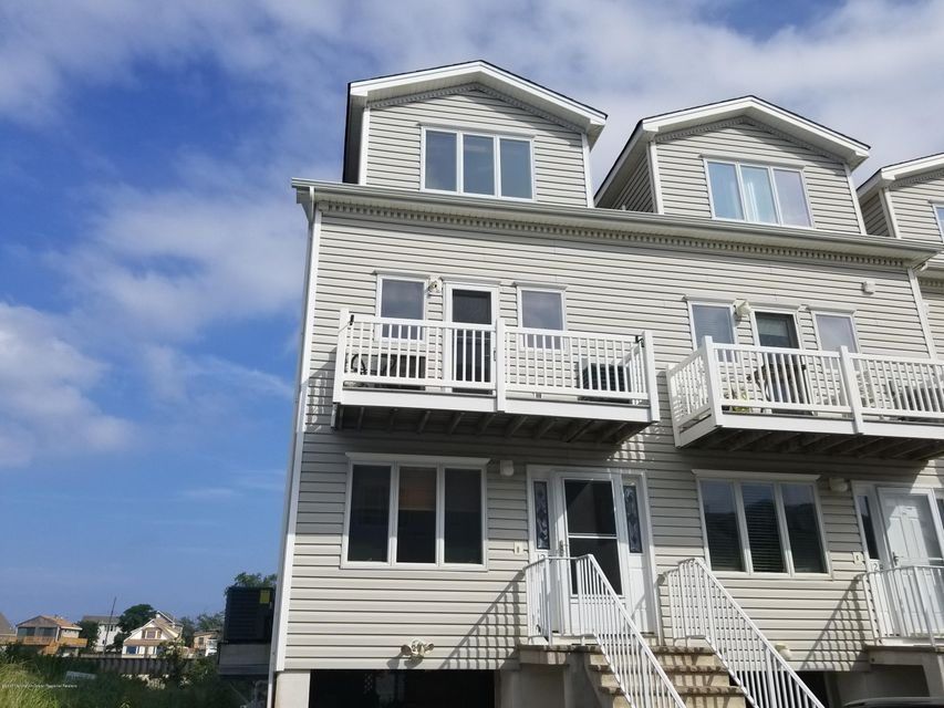 Condominium for Rent at 12 Beach Boulevard Highlands, New Jersey 07732 United States