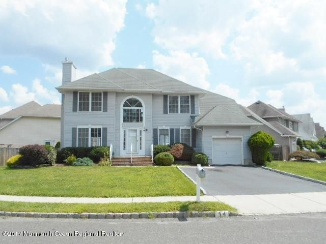 Single Family Home for Sale at 34 Heritage Drive Englishtown, New Jersey 07726 United States