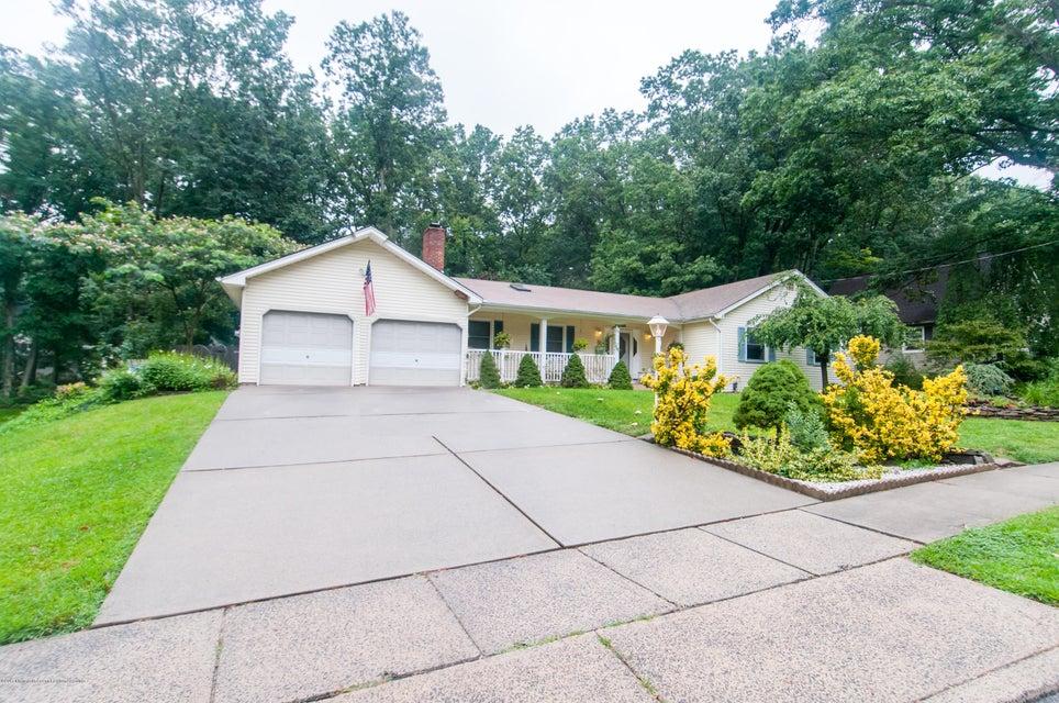 獨棟家庭住宅 為 出售 在 85 Central Avenue 85 Central Avenue East Brunswick, 新澤西州 08816 美國
