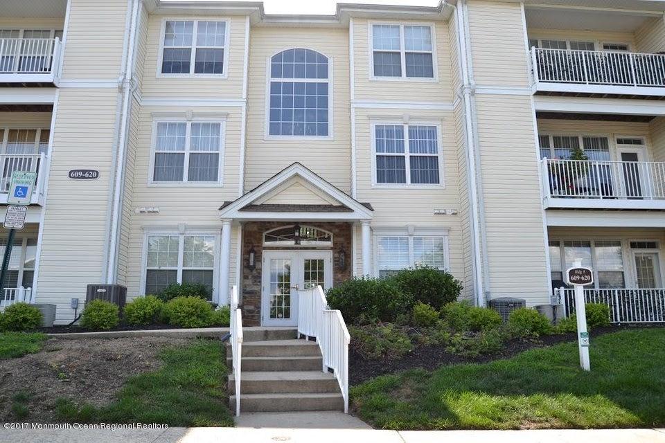 Appartement en copropriété pour l à louer à 617 St Andrews Place 617 St Andrews Place Manalapan, New Jersey 07726 États-Unis