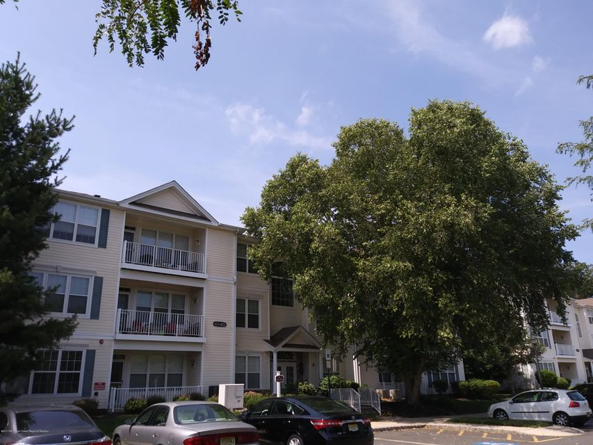 Condominium for Rent at 627 St Andrews Place 627 St Andrews Place Manalapan, New Jersey 07726 United States