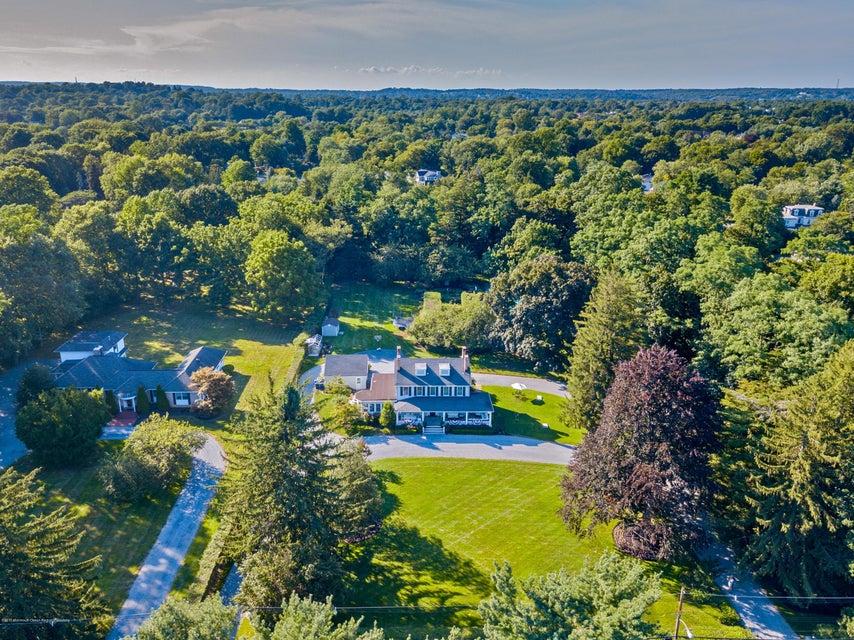 独户住宅 为 销售 在 91 Kings Road 小银镇, 新泽西州 07739 美国