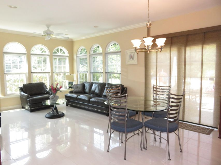 Additional photo for property listing at 4 Somerset Court 4 Somerset Court Allentown, New Jersey 08501 Stati Uniti