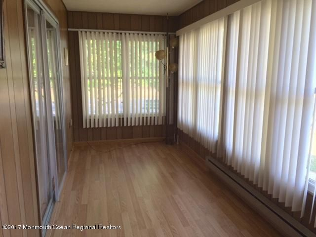 Additional photo for property listing at 516 B Lilac Lane  Whiting, Nueva Jersey 08759 Estados Unidos