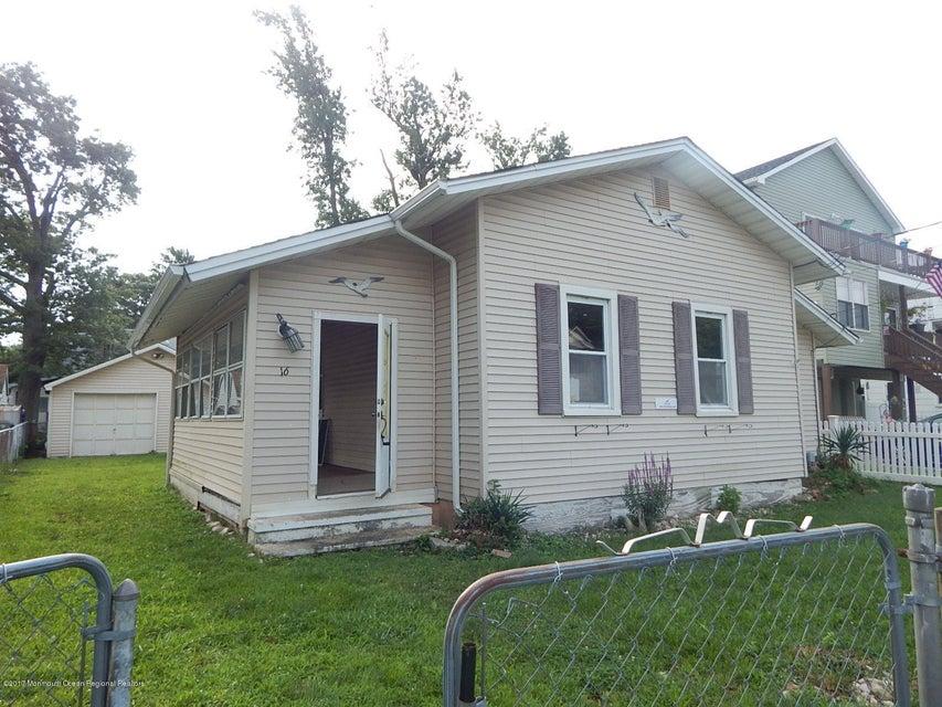獨棟家庭住宅 為 出售 在 16 Orchard Street 16 Orchard Street Keansburg, 新澤西州 07734 美國