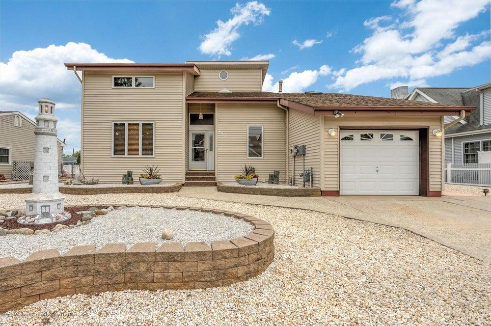 独户住宅 为 销售 在 409 Elizabeth Court Lanoka Harbor, 新泽西州 08734 美国