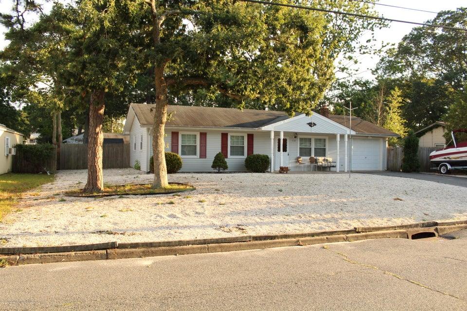 Vivienda unifamiliar por un Venta en 115 Sinclair Avenue 115 Sinclair Avenue Lanoka Harbor, Nueva Jersey 08734 Estados Unidos