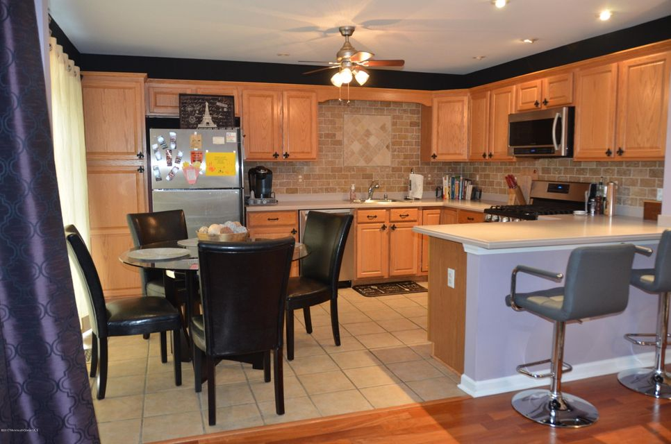 225 Satinwood Dr Kitchen #1