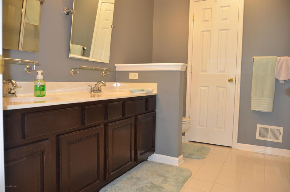 225 Satinwood MB Bath #1